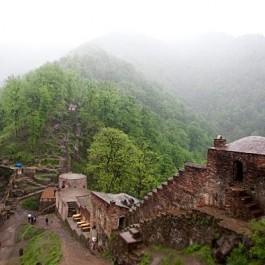 Roodkhan Castel